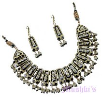 lac necklace earring set - click here for large view